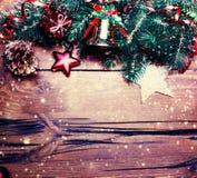 Ель рождества с украшением на темной деревянной доске Christm Стоковое фото RF