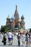 Жара красной площади Москвы собора базилика s St стоковые фотографии rf