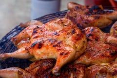 Жареный цыпленок, зажаренный цыпленок Стоковые Изображения RF
