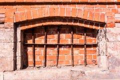 Жадность металла в старом здании стоковое изображение rf
