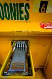 ждать компенсации платы за проезд коробки пустой Стоковое Фото