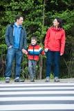 Ждать Crosswalk стоковое изображение rf