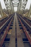 Железная дорога идет к безграничности стоковые фото