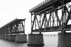 железная дорога моста старая стоковое изображение