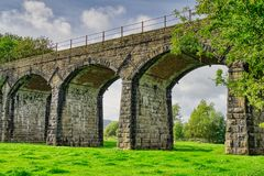 Железнодорожный виадук над рекой Keer на Capernwray, Cumbria стоковое изображение rf