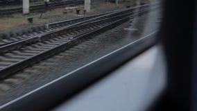 Железные дороги от окна поезда сток-видео