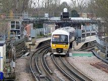 Железные дороги Chiltern тренируют выходить станция Rickmansworth стоковые изображения