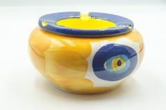 Желтая и голубая керамическая ваза стоковое изображение