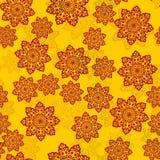 Желтая плитка с цветками цвета хны похожими на Мандала vector предпосылка с орнаментом полу-прозрачных мандал Стоковые Фотографии RF