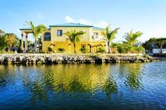 Желтая роскошная дом Стоковое фото RF
