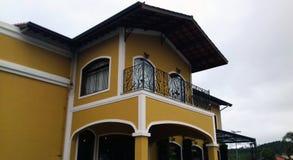 Желтая структура архитектуры, в Бразилии Южной Америке Стоковая Фотография