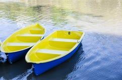 Желтая шлюпка Rowing Стоковые Фотографии RF