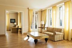 Желтое chich живущей комнаты обеспеченное Стоковое Изображение RF