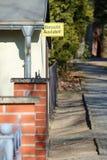 Желтый немецкий дорожный знак покидая выход свободный стоковые изображения