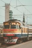Желтый тепловозный поезд Стоковая Фотография