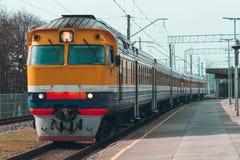 Желтый тепловозный поезд Стоковое Фото