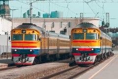 Желтый тепловозный поезд Стоковые Фото