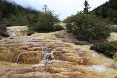 Желтый утес в заповеднике Huanglong Стоковые Фото