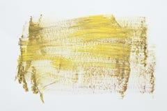 Желтый ход щетки акварели над белой предпосылкой стоковые фотографии rf