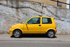 желтый цвет автомобиля малый Стоковые Фотографии RF