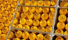 желтый цвет баков Стоковые Изображения