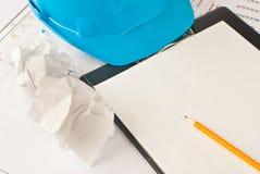 желтый цвет бумажного карандаша белый стоковая фотография rf
