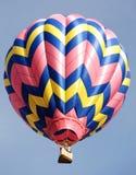 желтый цвет воздушного шара голубой розовый Стоковая Фотография RF