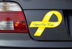 желтый цвет войск тесемки стоковые изображения