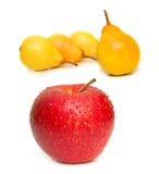 желтый цвет груш яблока красный Стоковая Фотография