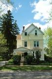 желтый цвет дома Стоковая Фотография