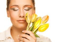 желтый цвет женщины цветка Стоковые Изображения RF