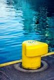 желтый цвет зачаливания пала Стоковая Фотография