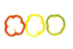 желтый цвет зеленого перца отрезанный красным цветом Стоковые Фото