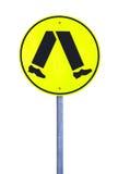 желтый цвет знака скрещивания пешеходный отражательный стоковые изображения rf