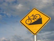 желтый цвет знака bike стоковая фотография rf