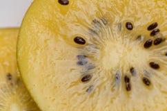 Желтый цвет или крупный план киви золота Стоковое Изображение RF