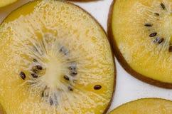 Желтый цвет или крупный план киви золота Стоковая Фотография