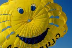 желтый цвет купола воздушного шара ся стоковые изображения rf