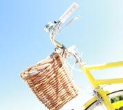 желтый цвет лета bike Стоковое Изображение