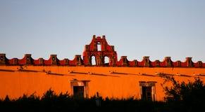 желтый цвет Мексики miguel красный san коллежа здания Стоковое Изображение RF