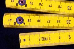 желтый цвет метров стоковая фотография