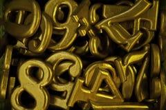 желтый цвет номера печатая на машинке Стоковое Фото