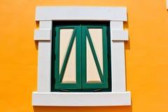 желтый цвет окна Стоковые Фотографии RF