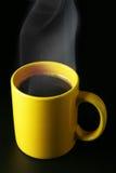 желтый цвет пара кофейной чашки Стоковое Изображение RF