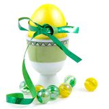 желтый цвет пасхального яйца Стоковое Изображение RF