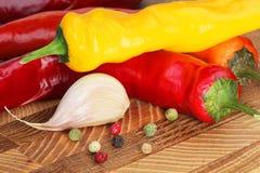 желтый цвет перца чеснока красный Стоковое Изображение RF