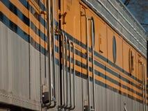 желтый цвет поезда Стоковое Фото