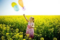 желтый цвет поля воздушных шаров Стоковые Изображения RF