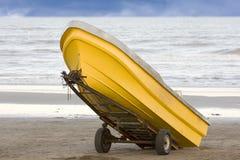 желтый цвет рыболовства шлюпки Стоковые Фото