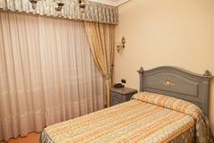 желтый цвет спальни Стоковые Фотографии RF